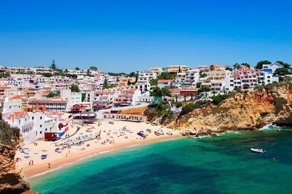 Early Booking Offer to The Algarve by The Travel Expert
