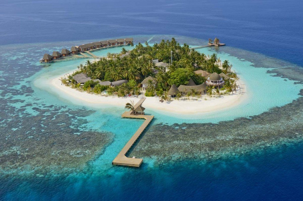 Kandolhu Island, Maldives by The Travel Expert