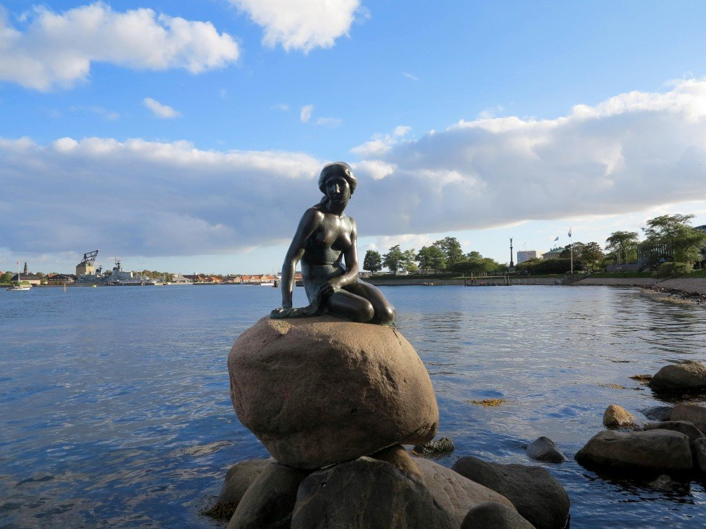 Sarah Slattery, The Travel Expert visits the Little Mermaid, Copenhagen