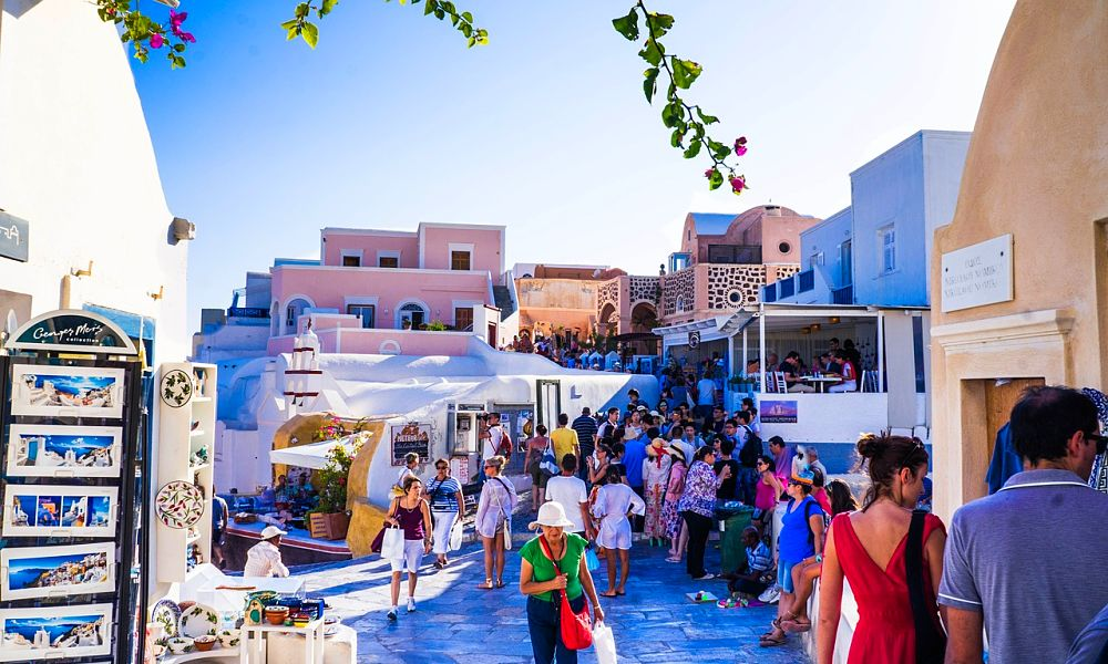 holiday deal to Santorini