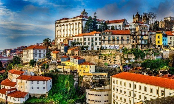 The Travel Expert offers a weekend in Porto in May 2016