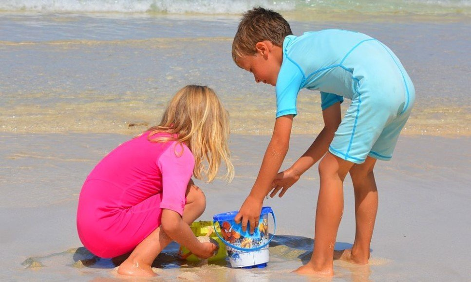 summer holidays for families with 2 adults and 3 children