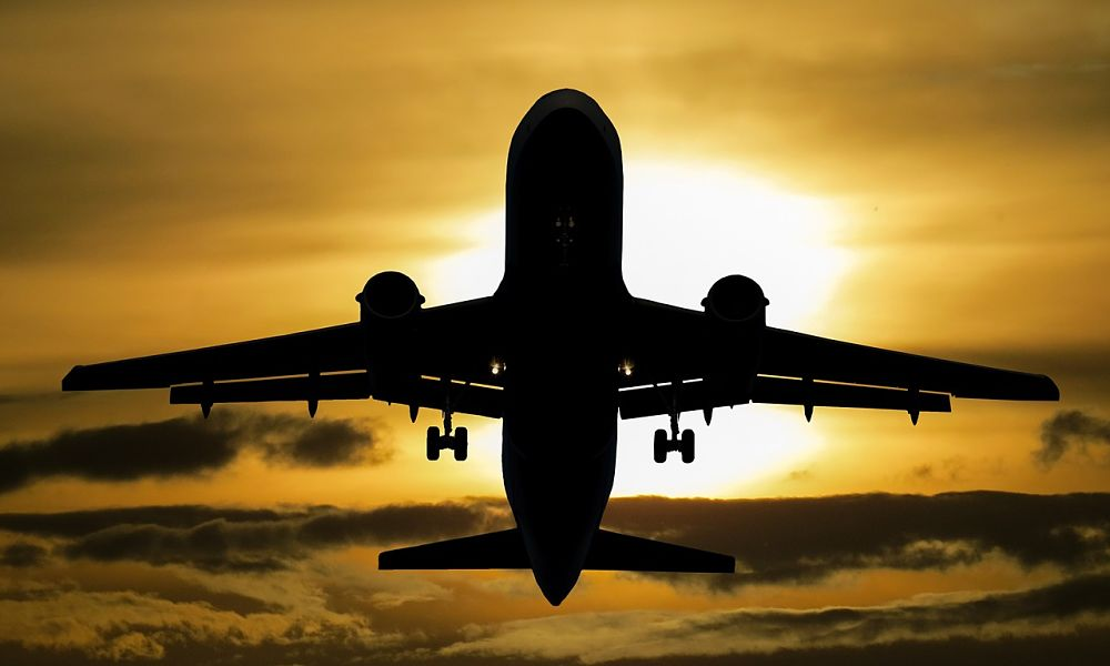 aircraft-1362586_1280 (1)_opt