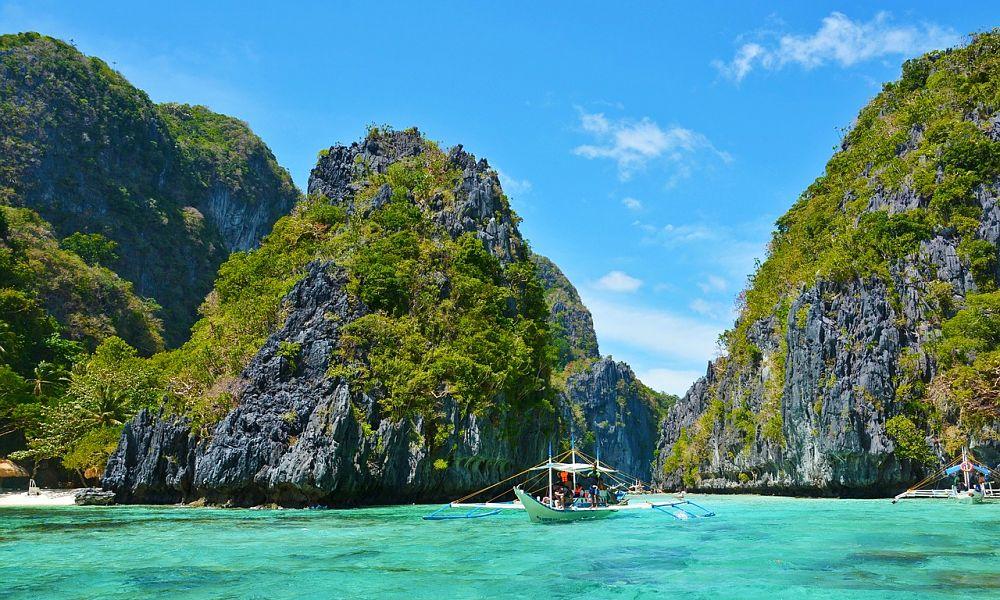 beach resort thailand holidays