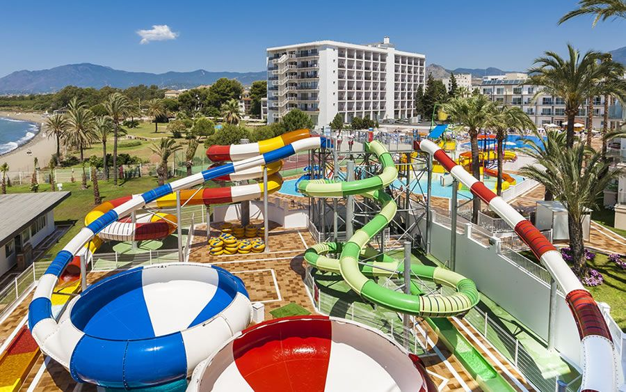 summer 2020 family holidays with waterparks