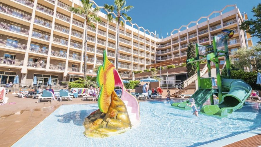 summer 2020 family holiday deals in salou