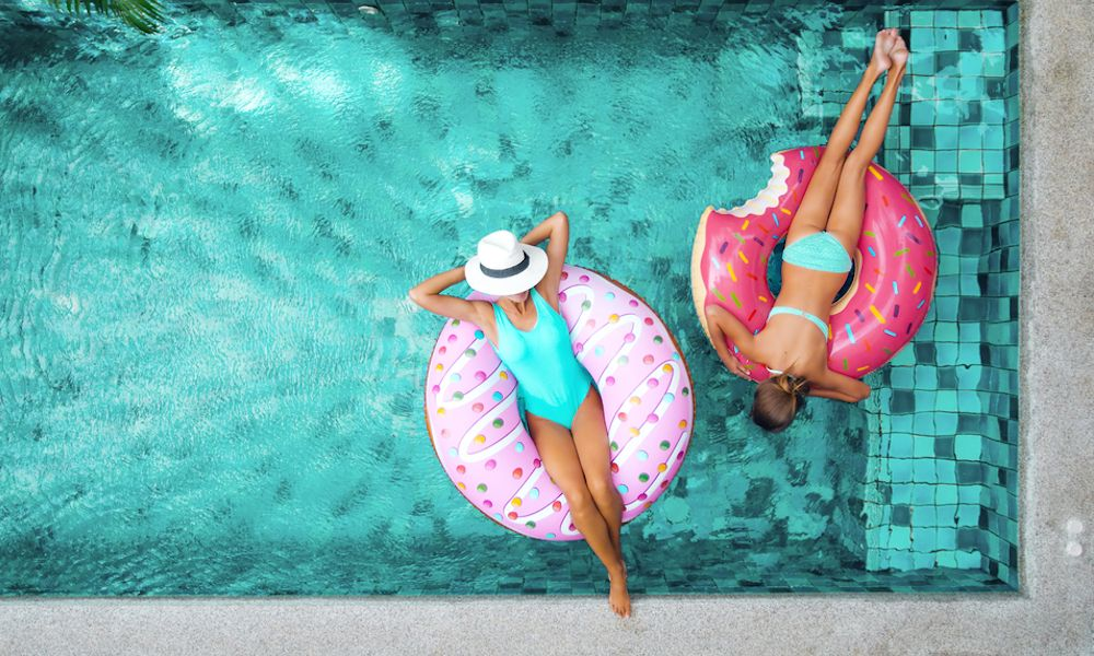 Pool-floatie-shutterstock-compressor