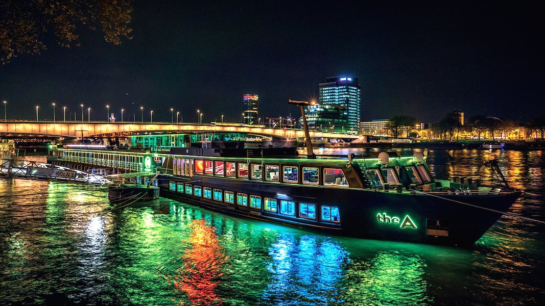 u river cruises a ship