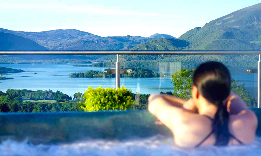 Aghadoe heights penthouse tub (1)