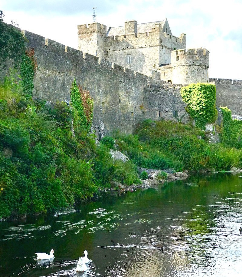 cahir castle tipperary - one of the top things to do in the munster vales