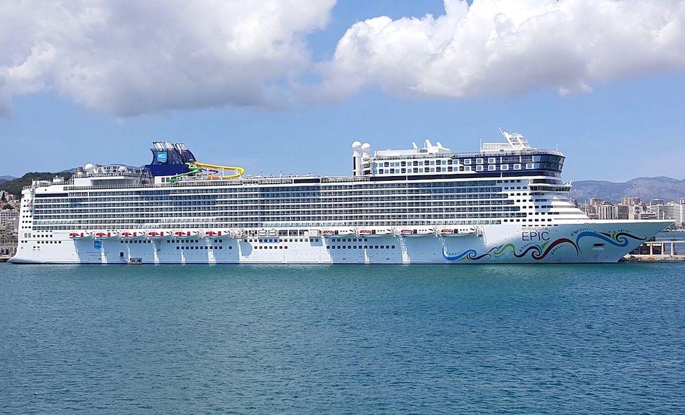 cruise-ship-3808988_1280-compressor