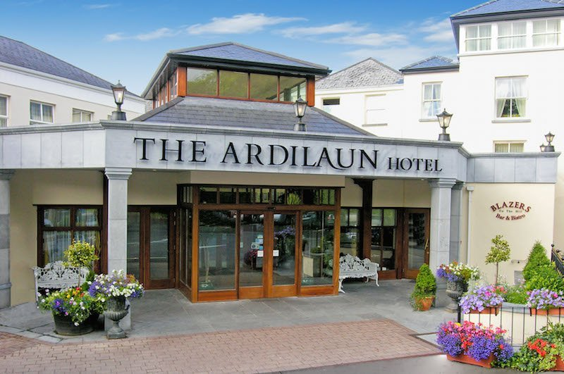 4 star hotels in ireland that allow dogs