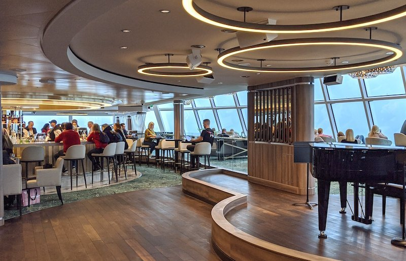 observation lounge on norwegian encore