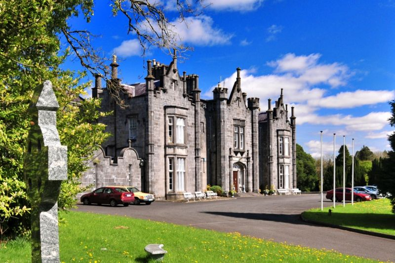 cheap castle stays in ireland