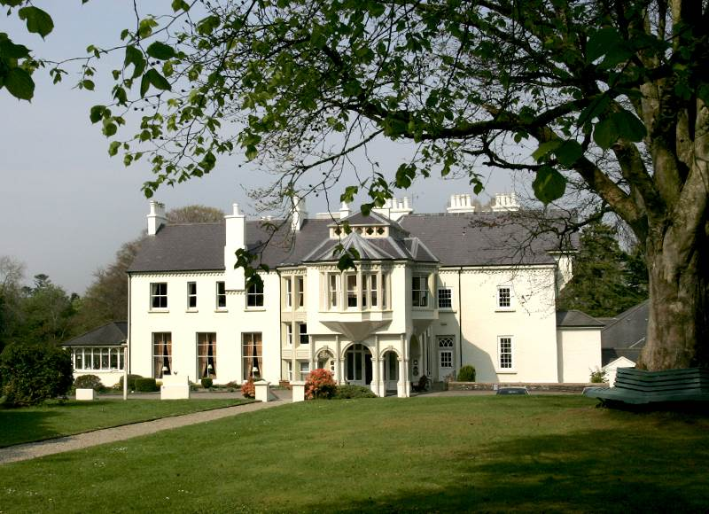 4 star hotels in northern ireland that allow dogs