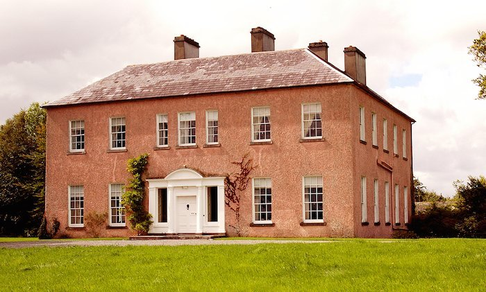 country houses in ireland that allow dogs