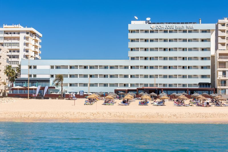 3-star hotel on the beach in the Algarve