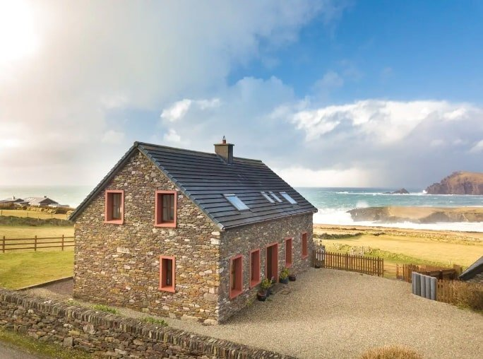 best Airbnb's in Ireland near the sea