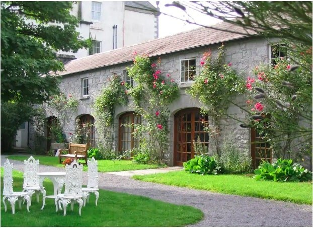 luxury airbnbs in ireland for groups