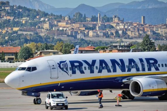 how to get a refund from ryanair