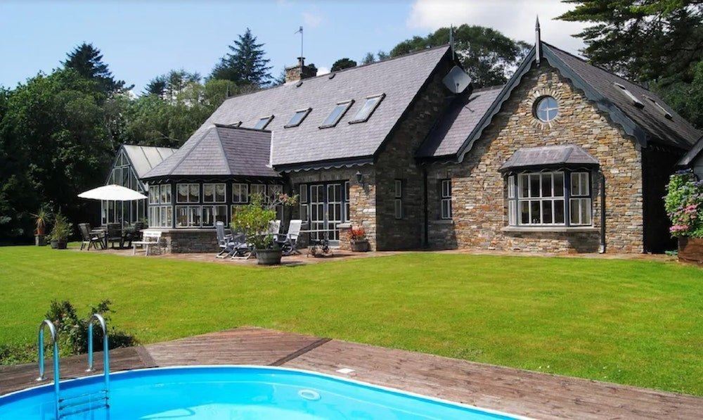 luxury holiday home in Cork with pool