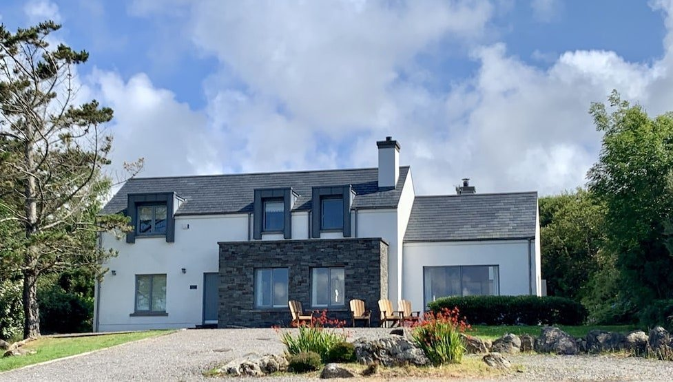 holiday home with pool access in Ireland