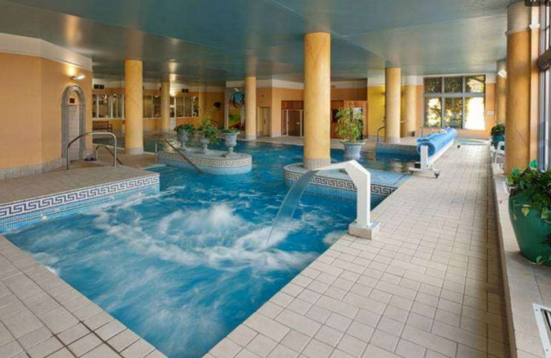 Ashdown Hotel Wexford's swimming pool.