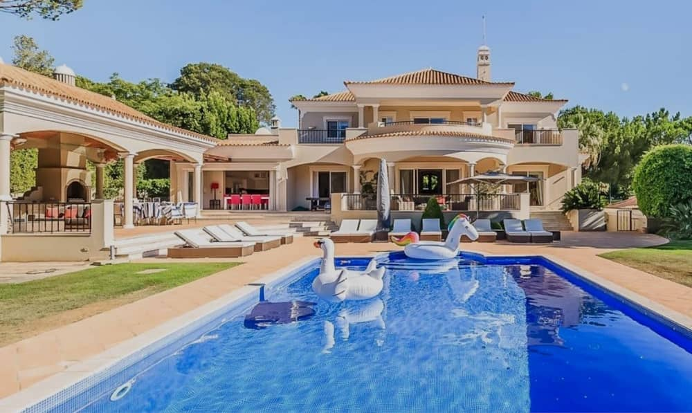 villas in Quinta do Lago resort, Algarve