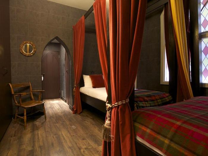 hotels with harry potter themed bedrooms