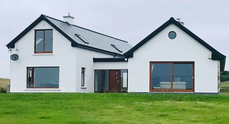 modern holiday home in Mayo on Airbnb
