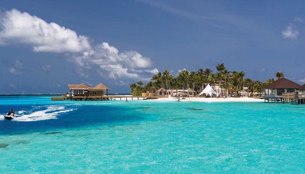 Best Maldives holidays for groups and extended families.