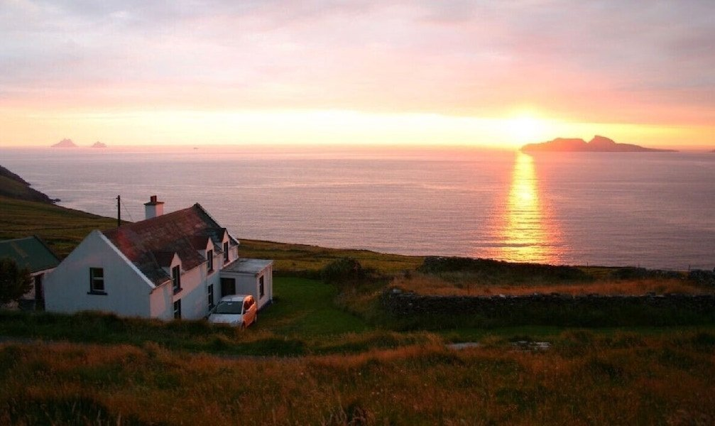 holiday home beside the sea in Ireland to rent