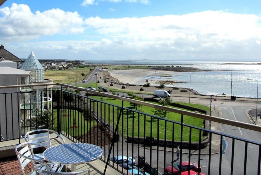 apartment beside the sea in Ireland to rent