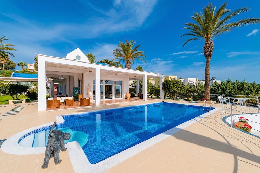 luxury villas in Rhodes.