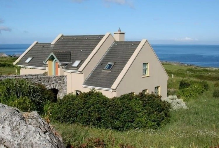 4-bedroom holiday homes beside the sea in Ireland to rent