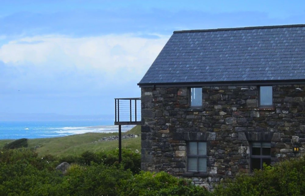 Stone cottage to rent beside the sea, Ireland