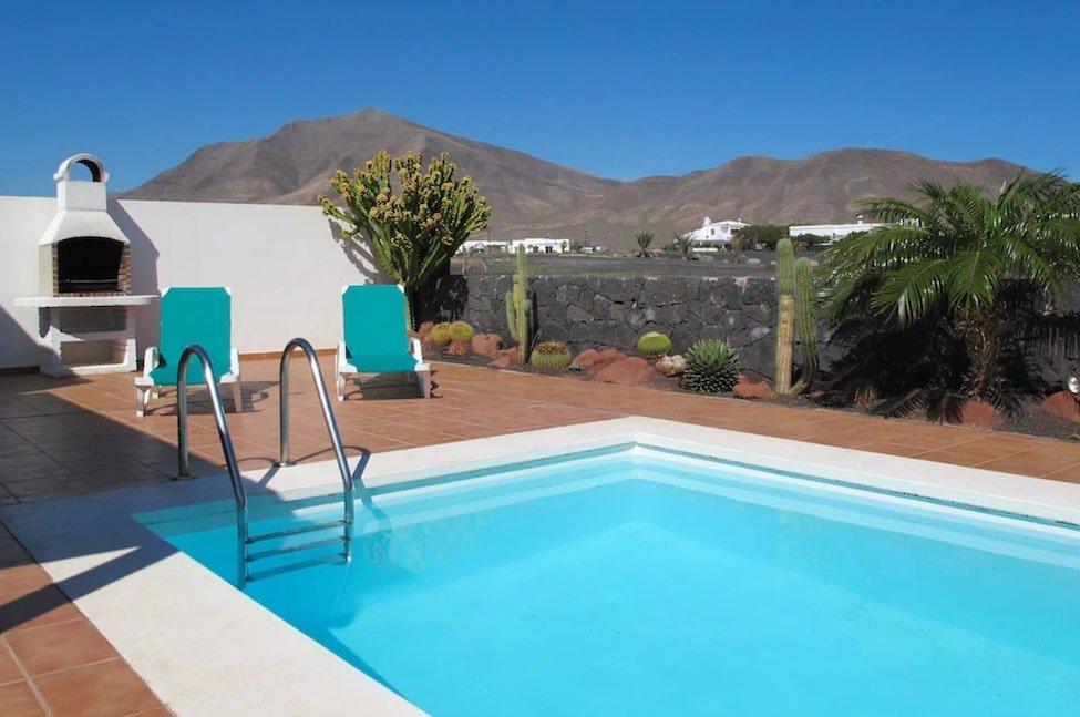 winter sun holidays in Lanzarote villas