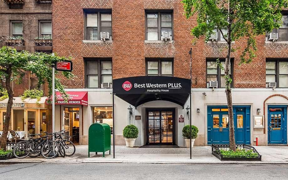 Where to stay in New York with free breakfast - Best Western Hospitality House.