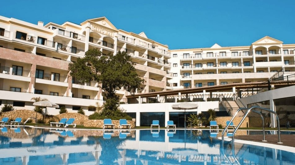 self catering family holidays to the Algarve staying in Albufeira