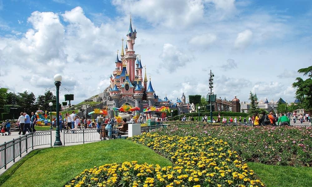 best travel deals to Disneyland Paris