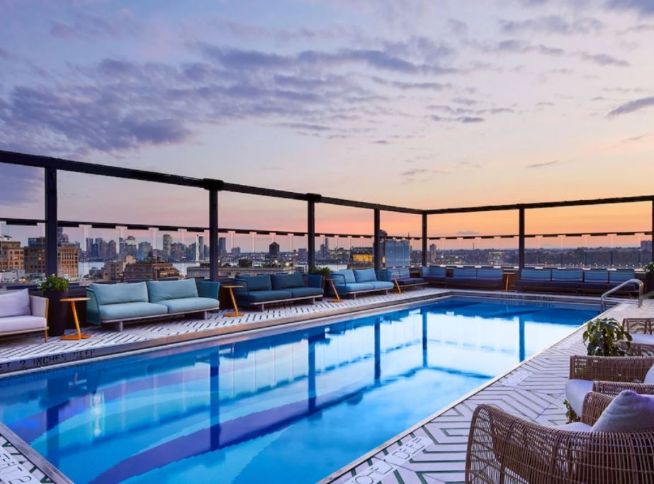 hotel in New York with outdoor pool.