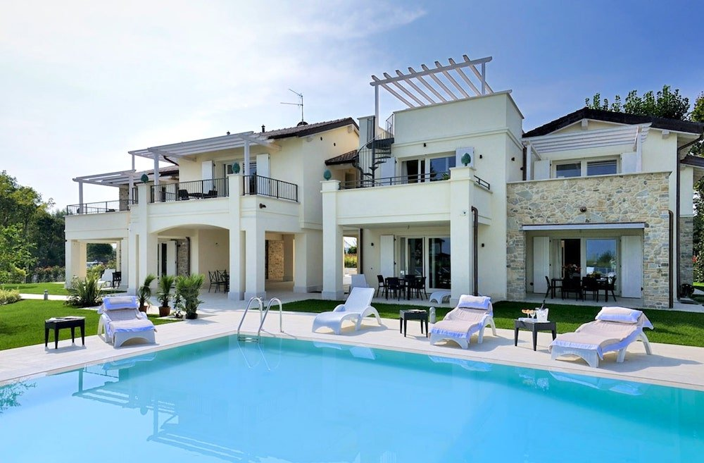 holiday home in Lake garda with private pool
