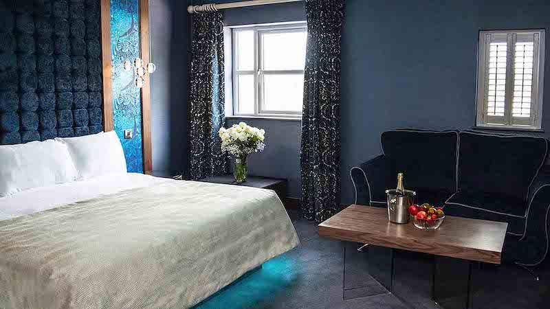 Couples deluxe rooms at the Riverside Park Hotel