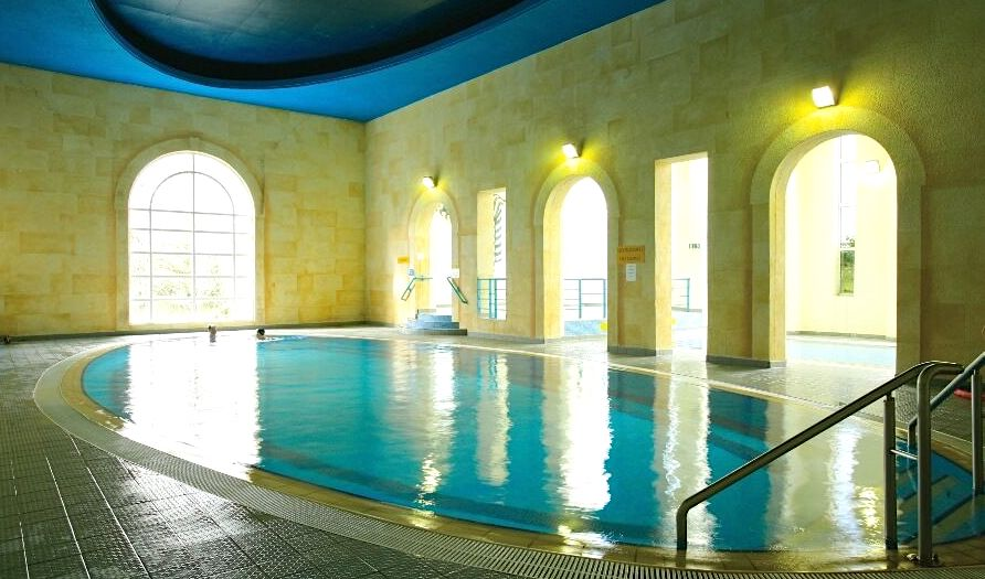 hotels in Ireland with swimming pools