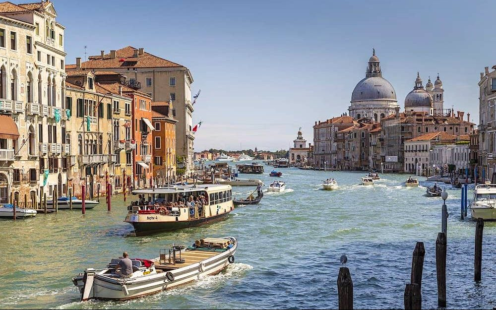 A vaporetto is the best way to get to Venice from the airport