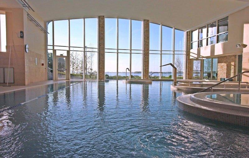 swimming pool at Hodson Bay Hotel